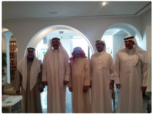 زيارة الشاعر غازي دويرج السليمي الحربي لمنزل العم خالد العتيقي ٢٠١٣م