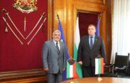 لقاء  السفير يعقوب العتيقي مع نائب رئيس الوزراء ووزير الدفاع البلغاري
